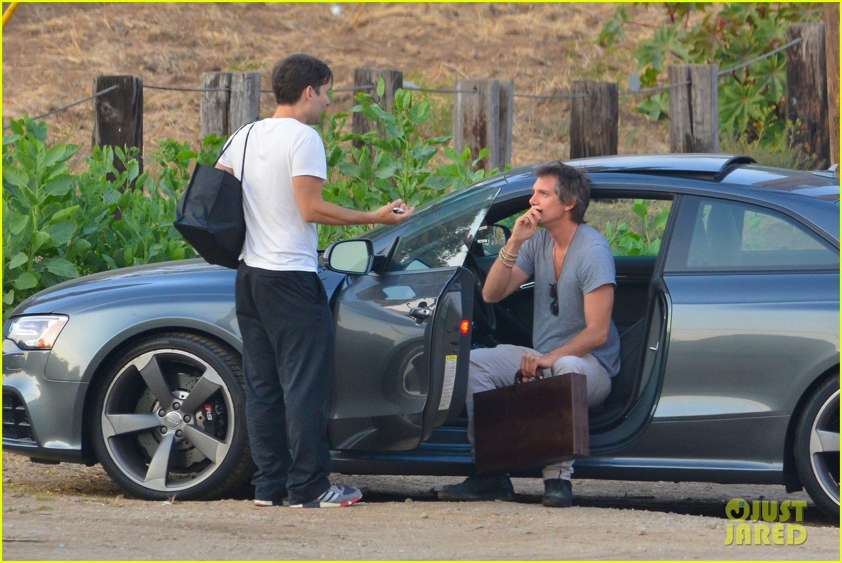 tobey maguire malibu chat with lukas haas 052901832