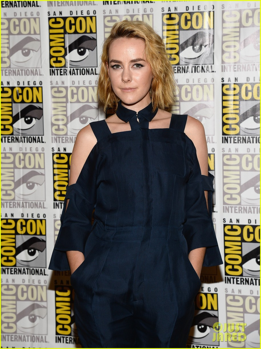 jena malone lenny kravitz catching fire comic con panel 20