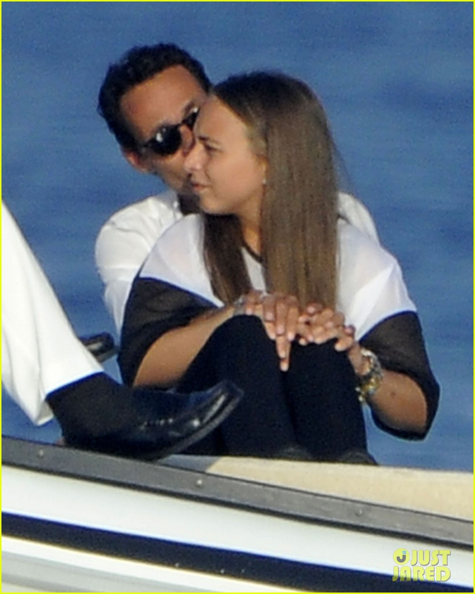 marc anthony chloe green cuddle in venice 122909533