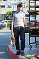 olivier martinez buys baguette at bristol farms 03