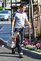 olivier martinez buys baguette at bristol farms 04