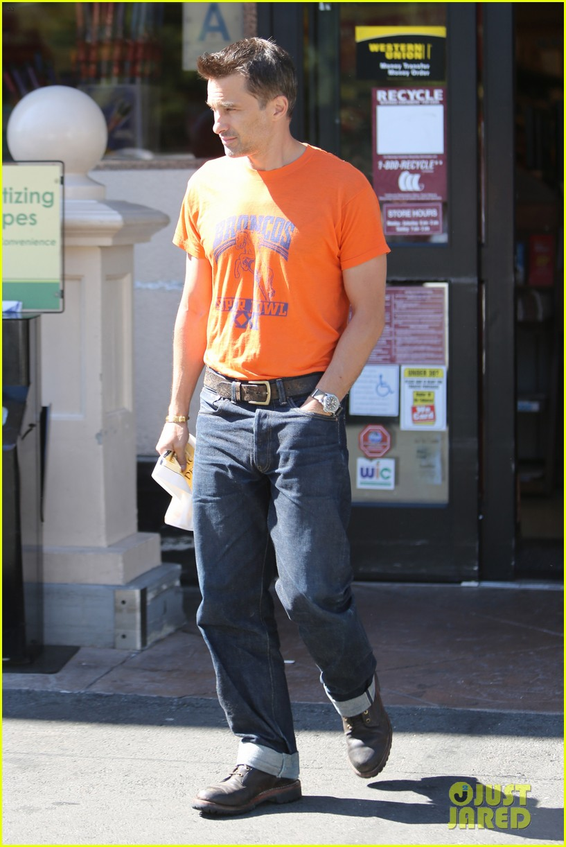 olivier martinez grocery shopping after french wedding 05