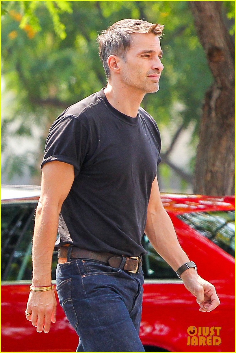olivier martinez makes two trips to grocery store on july 4 022904427
