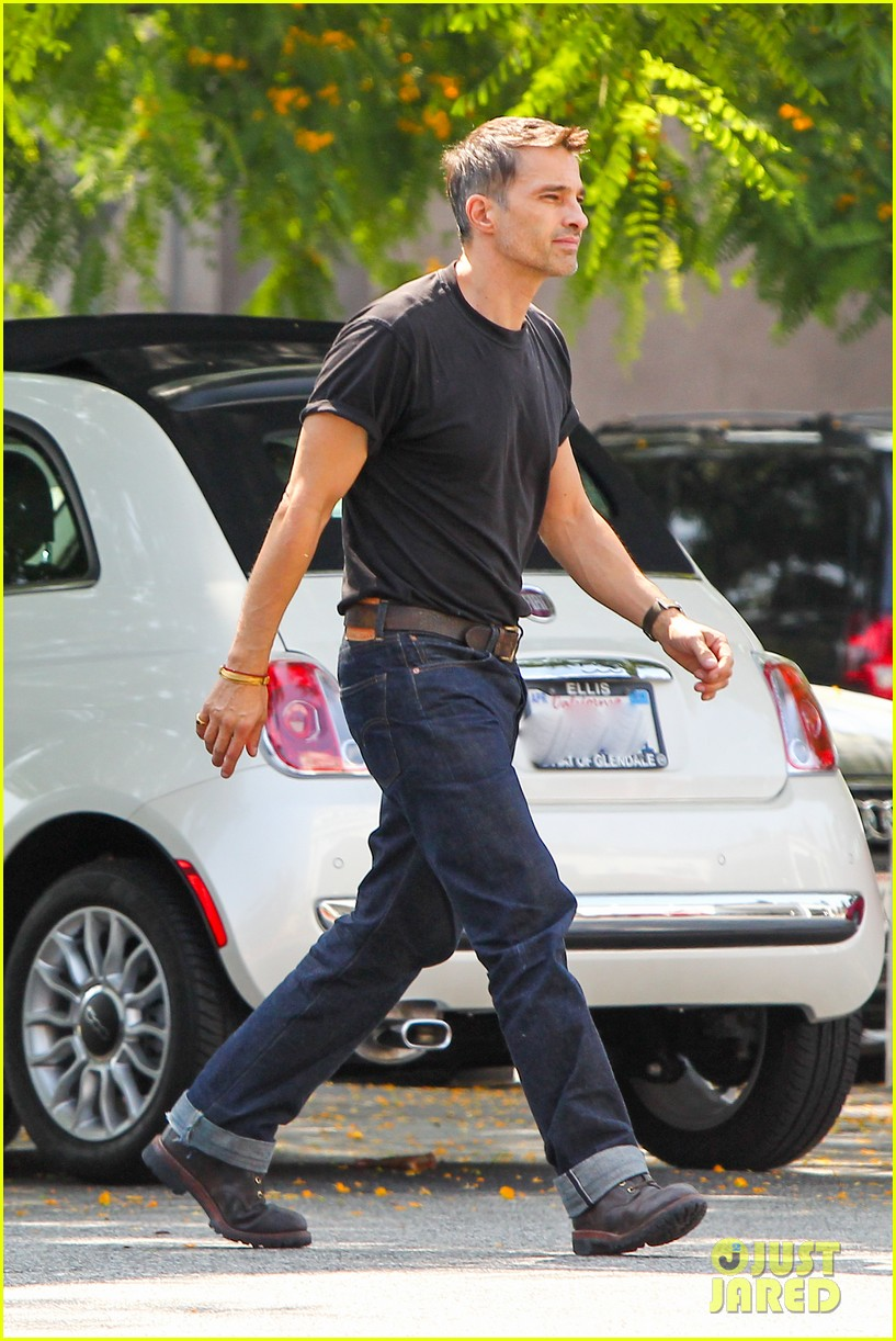olivier martinez makes two trips to grocery store on july 4 062904431