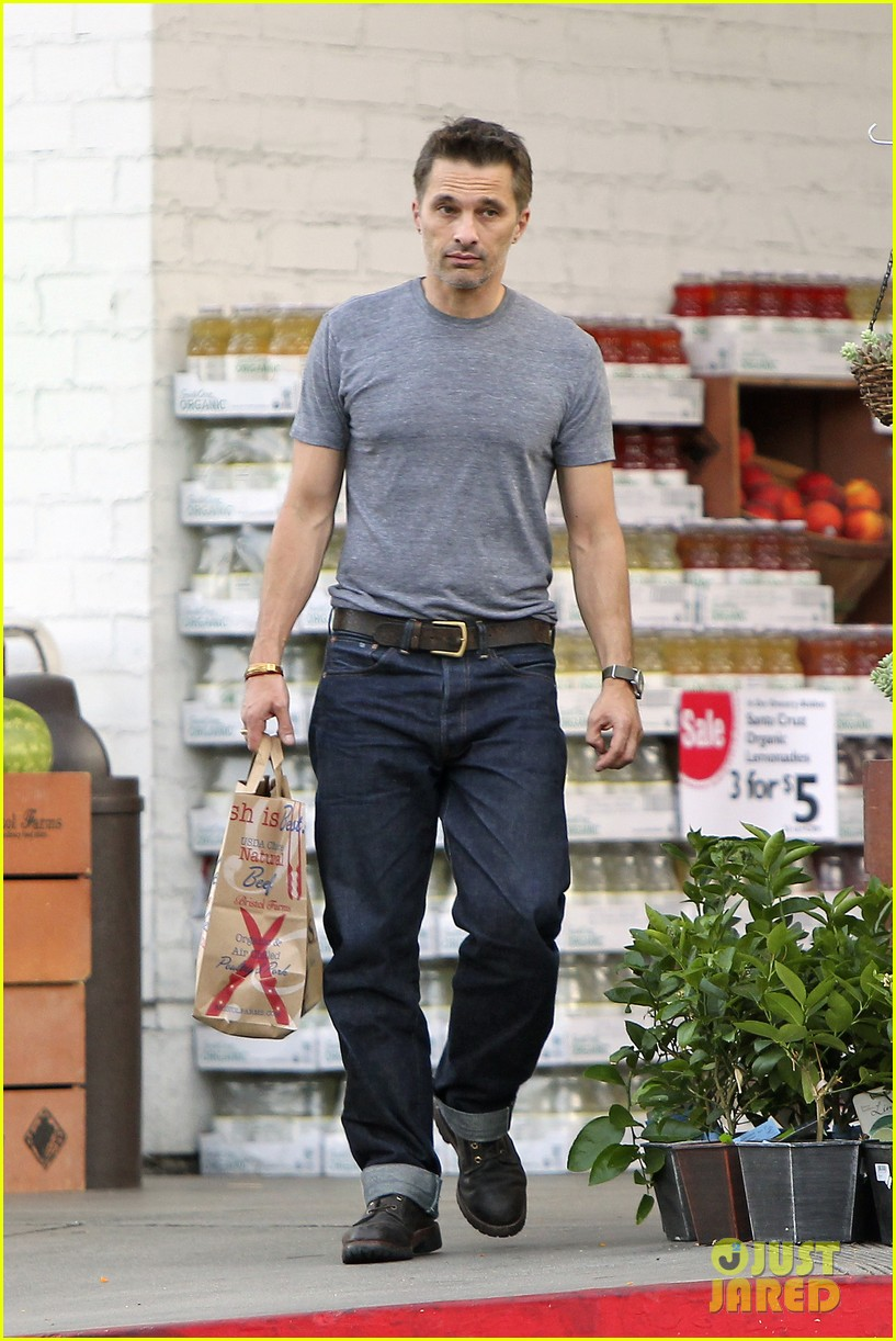 olivier martinez makes two trips to grocery store on july 4 162904441