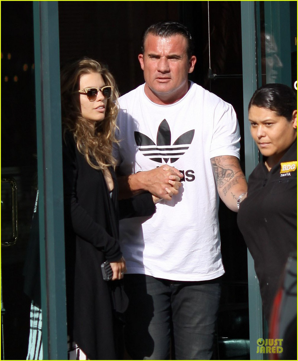 annalynne mccord dominic purcell hold hands at the dentist 022918003