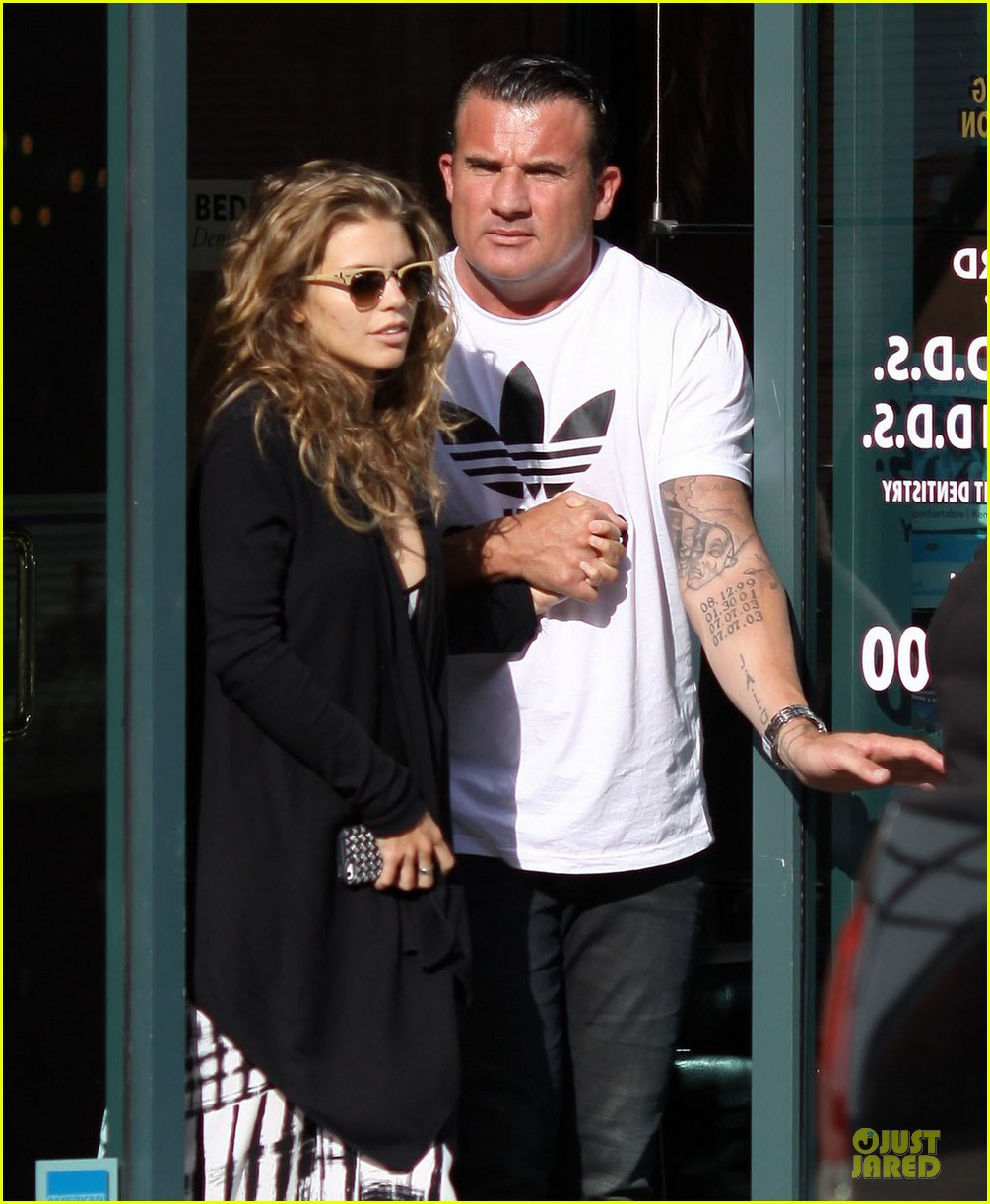 annalynne mccord dominic purcell hold hands at the dentist 042918005