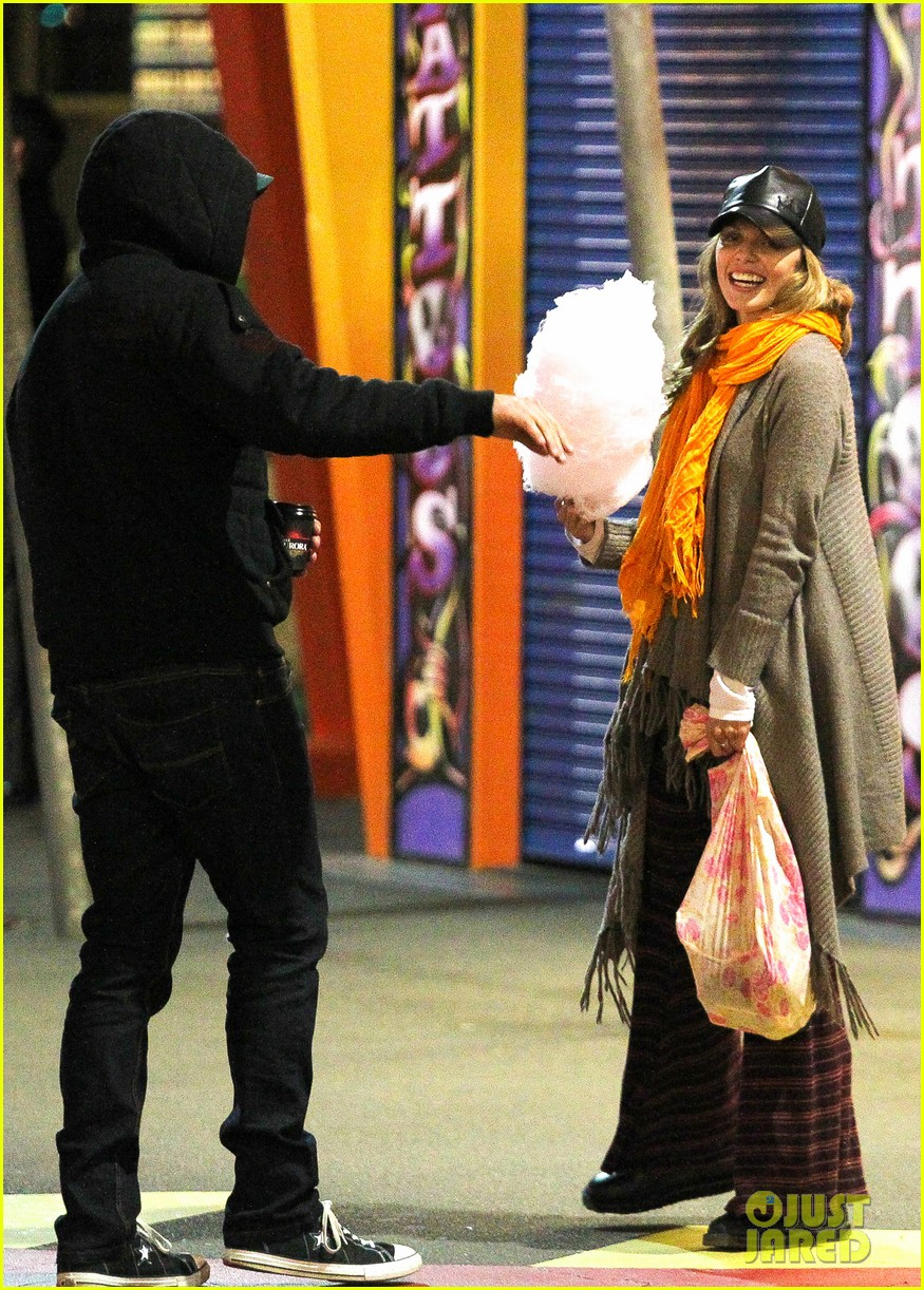 annalynne mccord dominic purcell luna park sydney visit 082905951