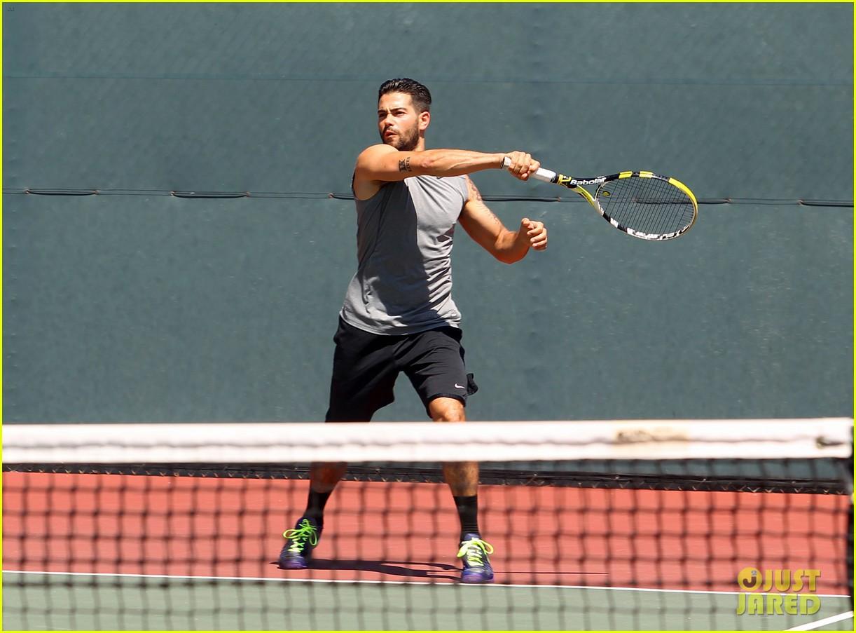 jesse metcalfe shirtless tennis playing with cara santana 072908064