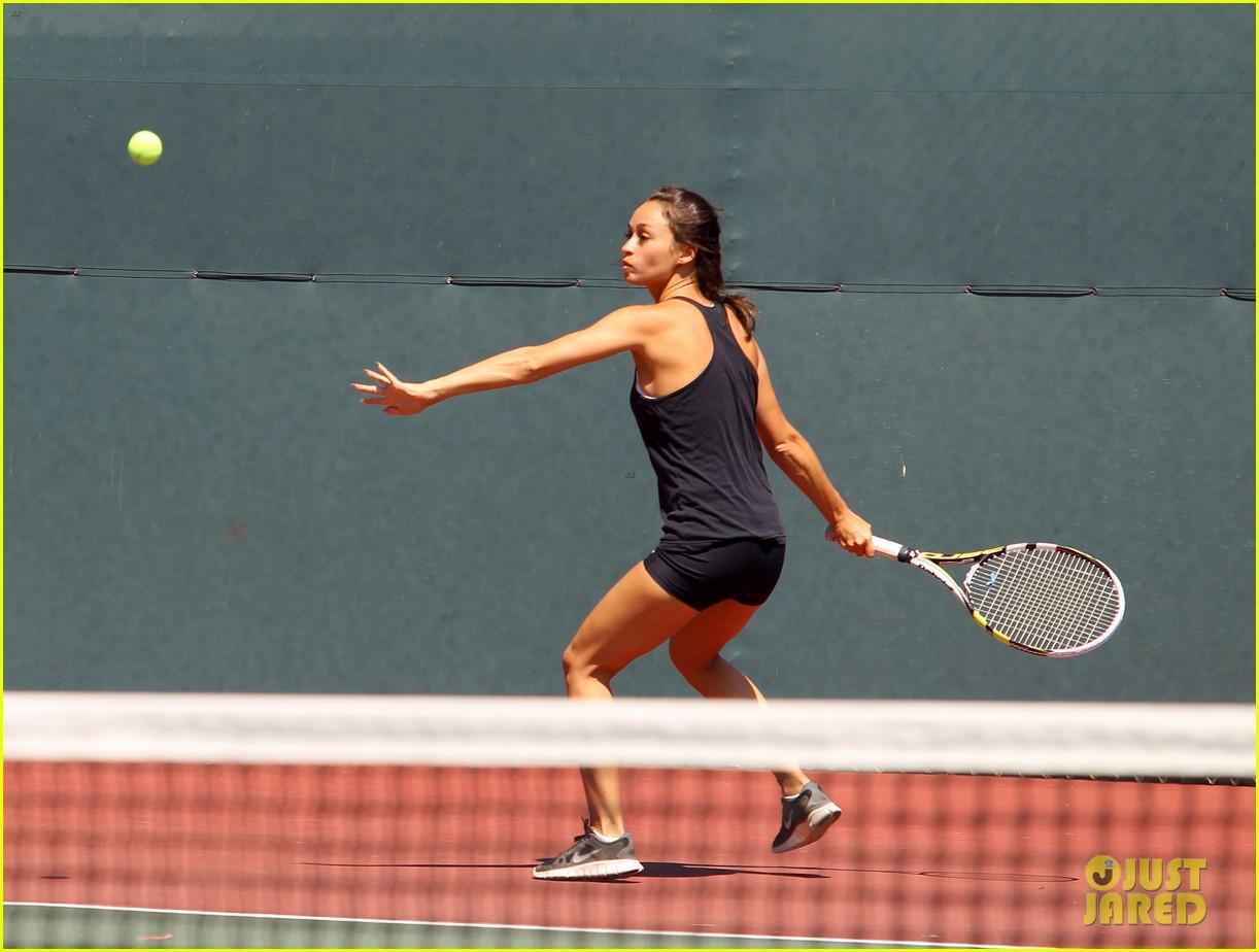 jesse metcalfe shirtless tennis playing with cara santana 082908065