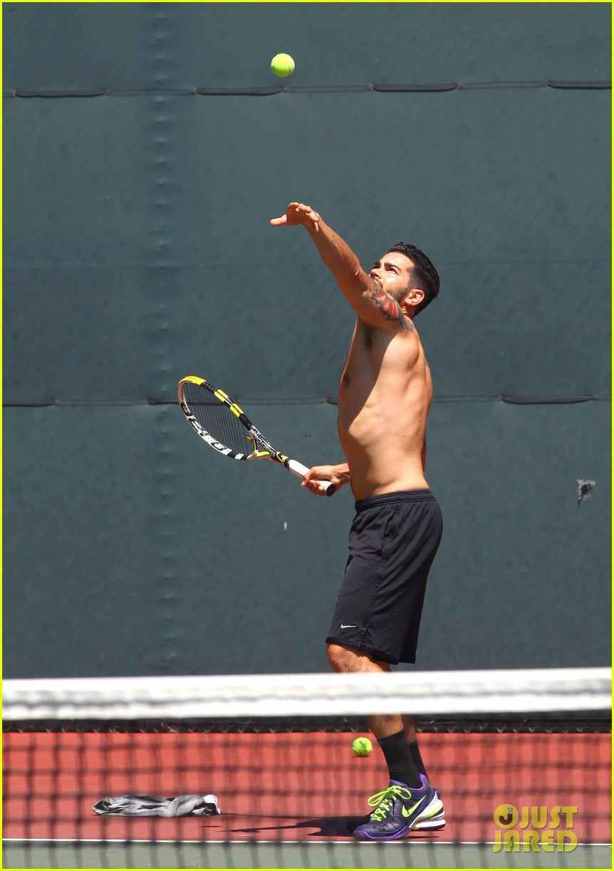 jesse metcalfe shirtless tennis playing with cara santana 182908075