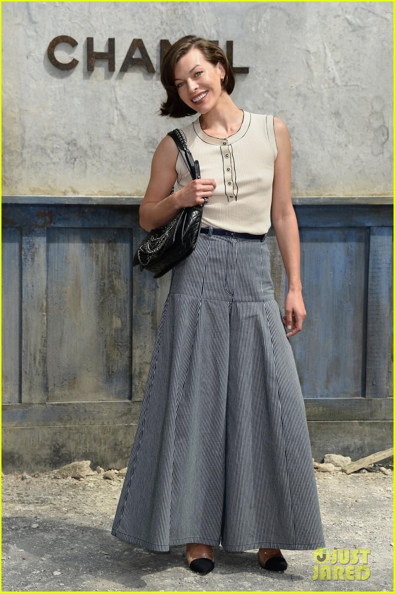 milla jovovich rose byrne chanel paris fashion show 132902586