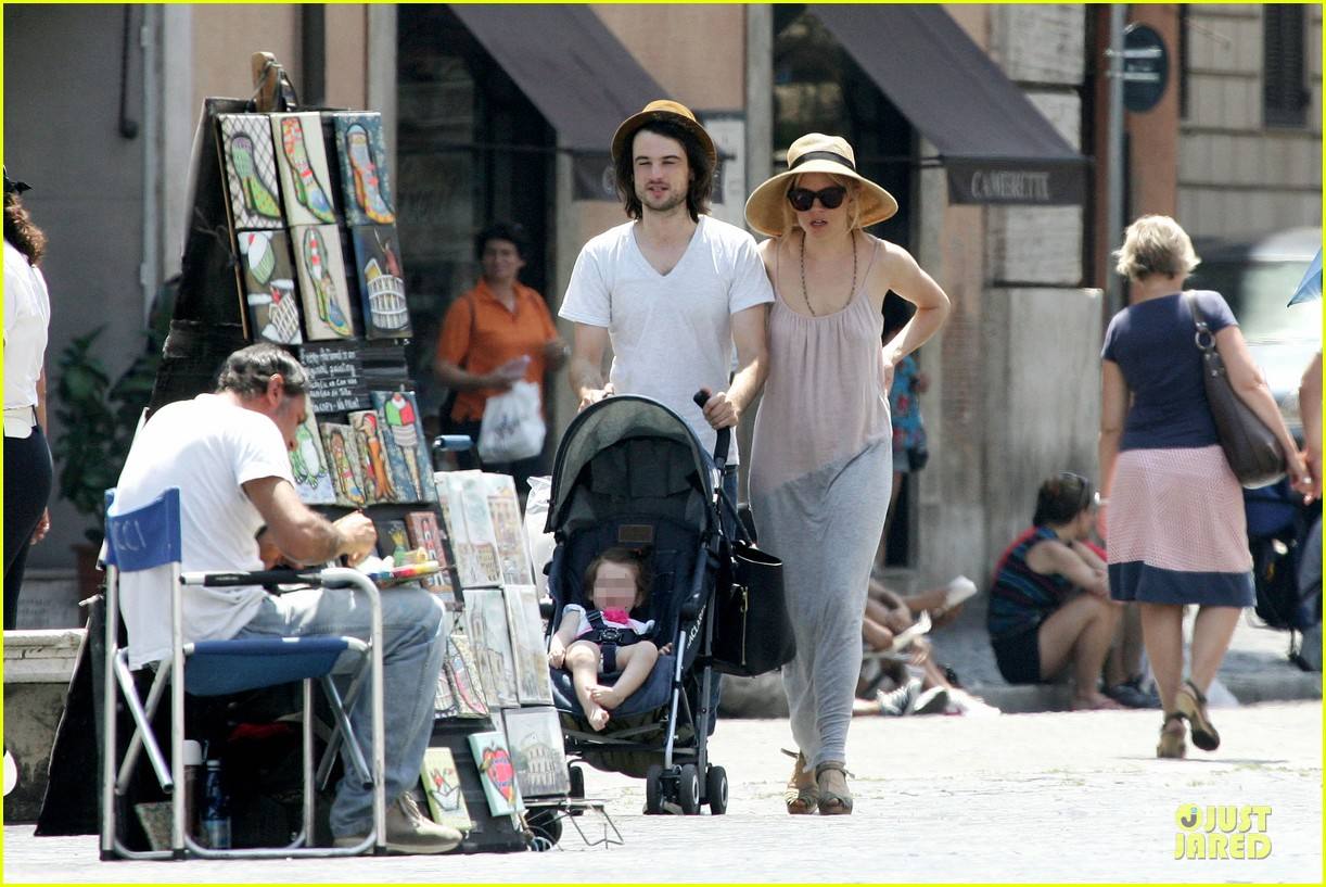 sienna miller tom sturridge villa borghese with marlowe 082918176