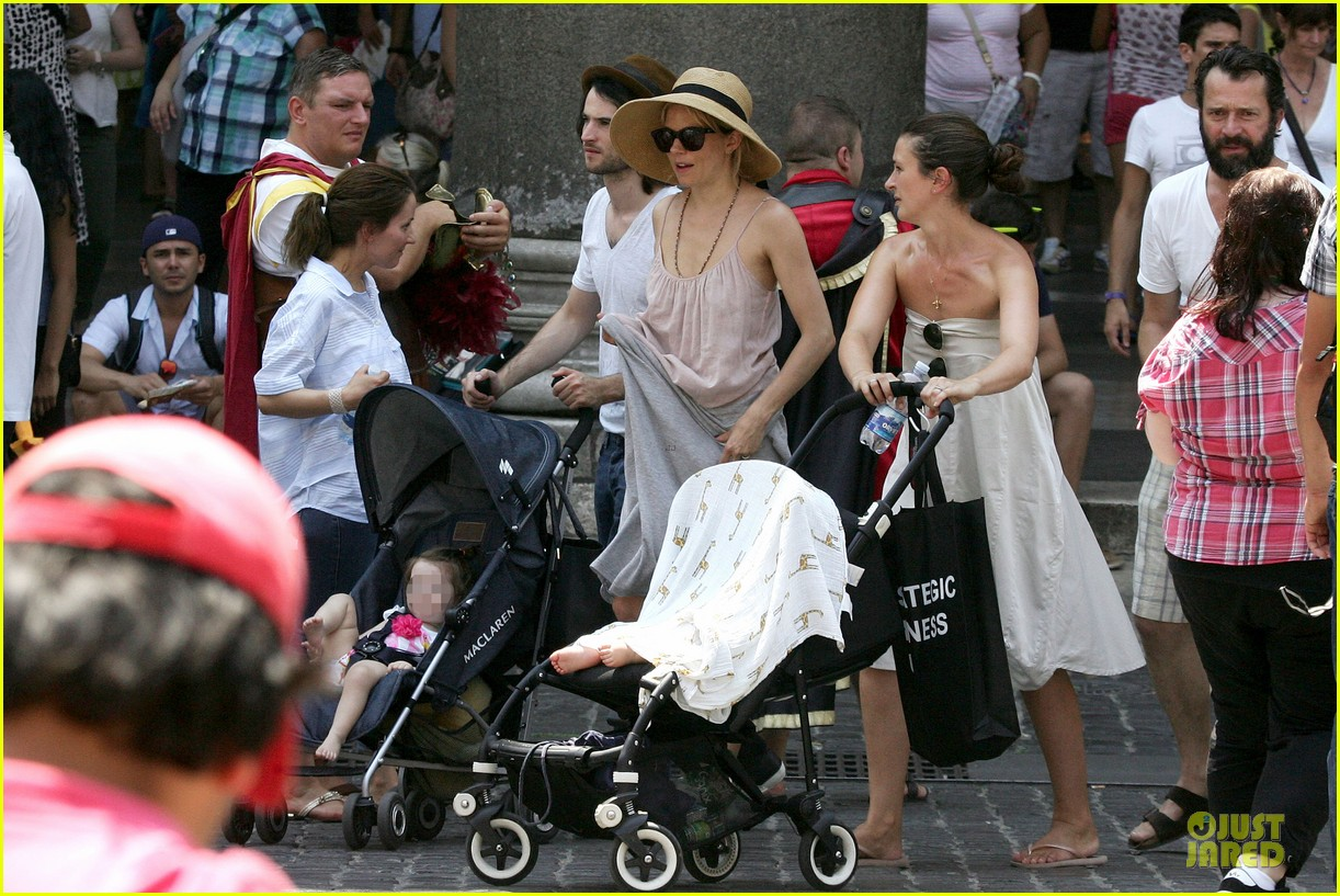 sienna miller tom sturridge villa borghese with marlowe 162918184