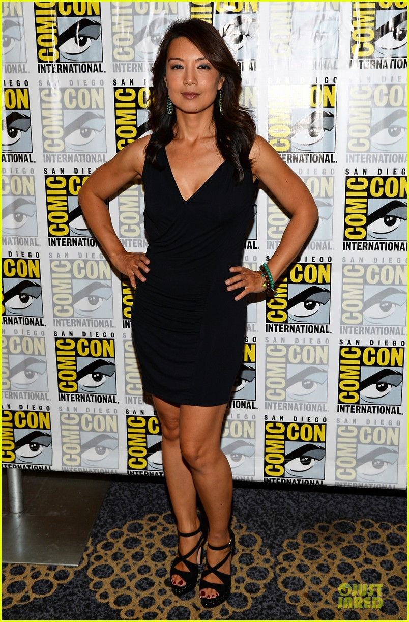 ming na wen clark gregg agents of shield at comic con 012913069