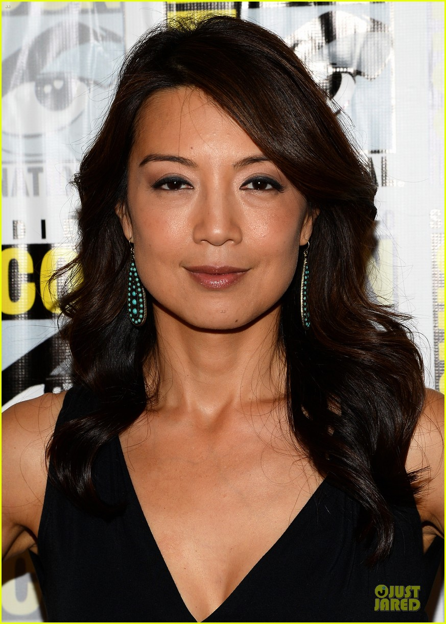 ming na wen clark gregg agents of shield at comic con 142913082