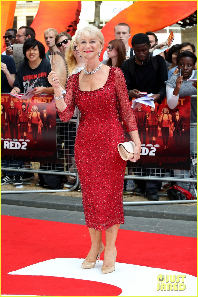 helen mirren bruce willis red 2 london premiere 072914674