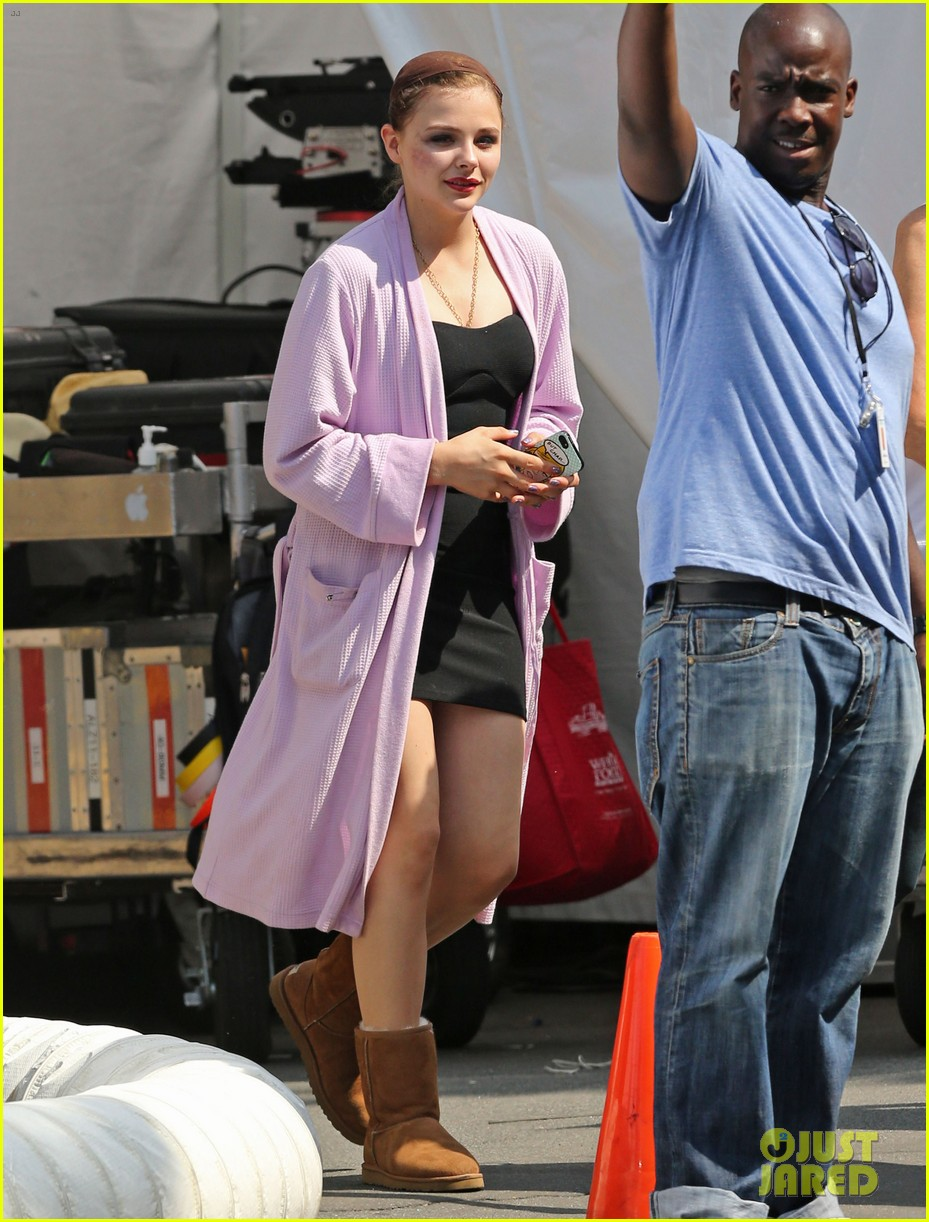 chloe moretz wears multi colored wig for equalizer filming 092912070