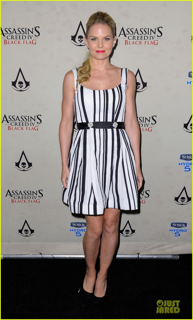 jennifer morrison aaron eckhart assassin creed iv black flag party 012912897