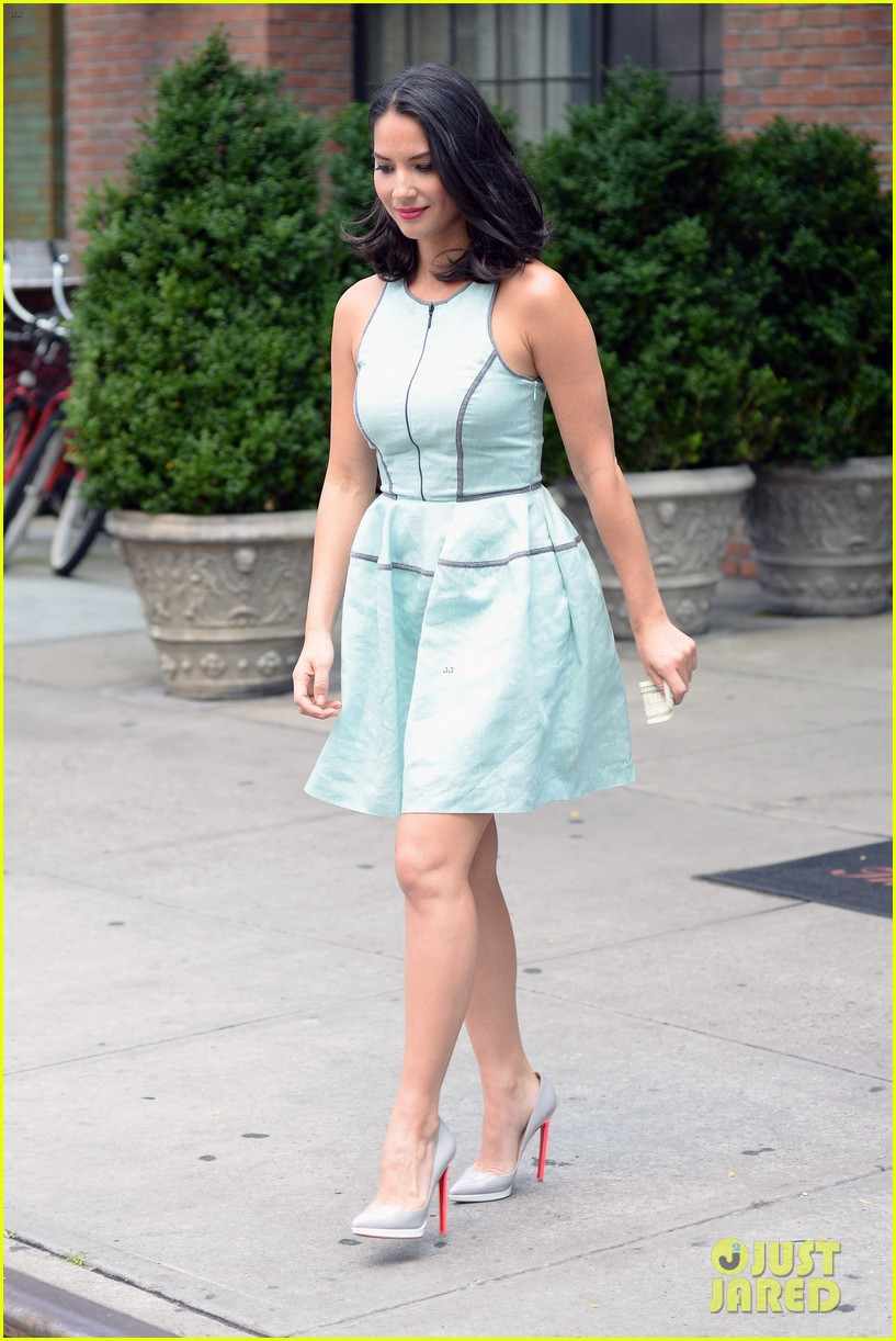 olivia munn live with kelly michael appearance 082906008