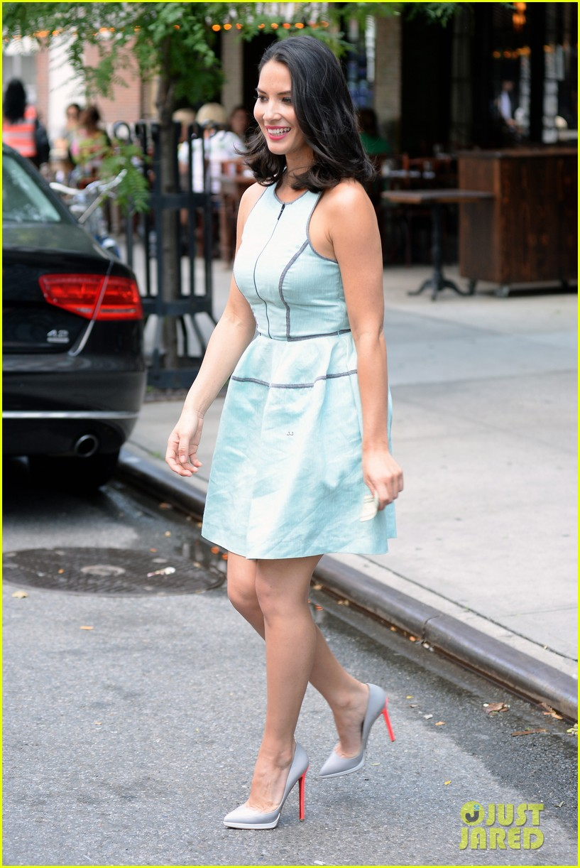 olivia munn live with kelly michael appearance 10