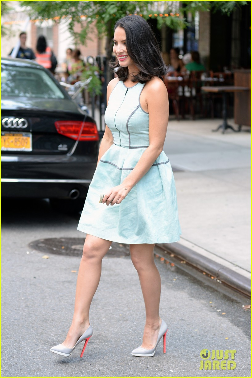 olivia munn live with kelly michael appearance 112906011