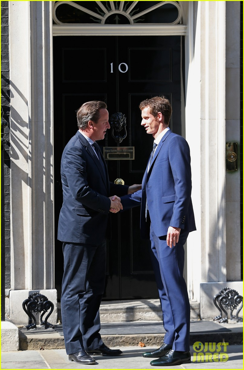 andy murray meets david cameron after wimbledon win 052905999