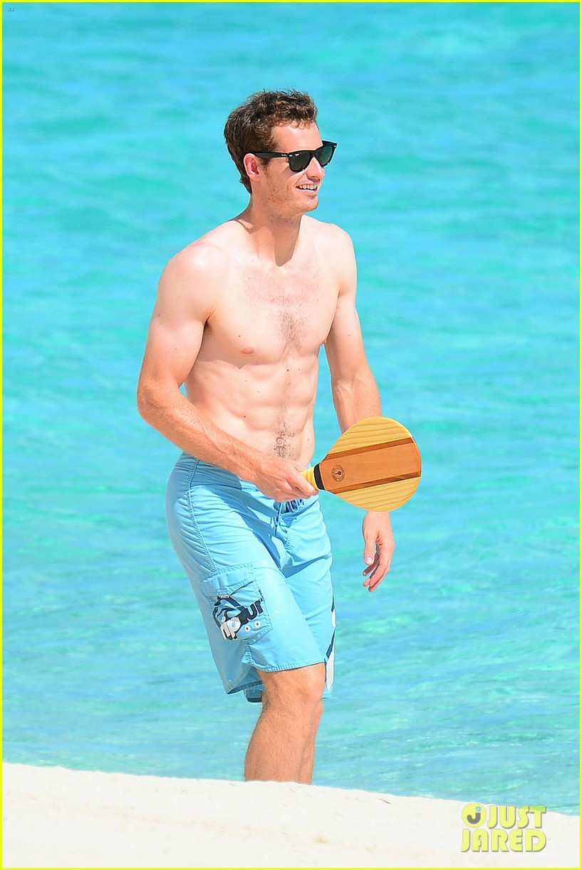 shirtless andy murray ibiza beach besos with kim sears 04