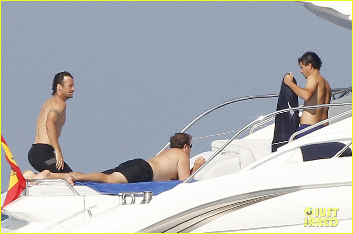 rafael nadal shirtless yacht ride with pals 14