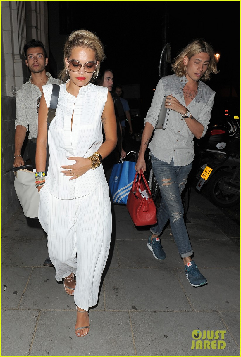 rita ora family dinner after barcelona trip 062917002