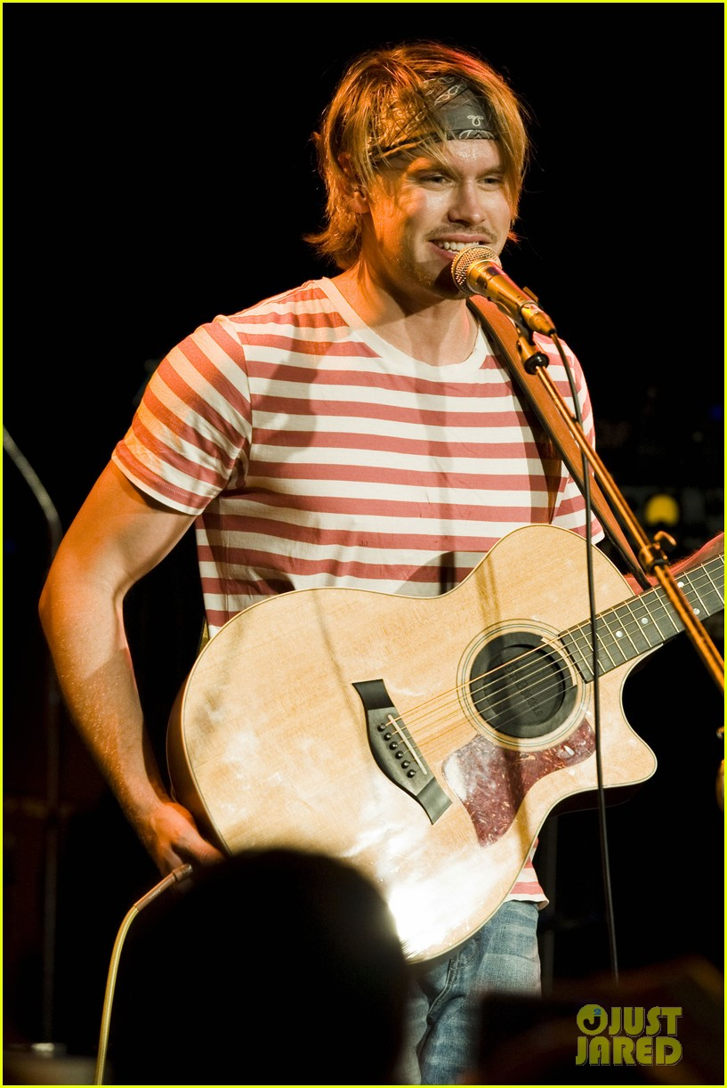 chord overstreet performs at the roxy glee cast supports 042913141