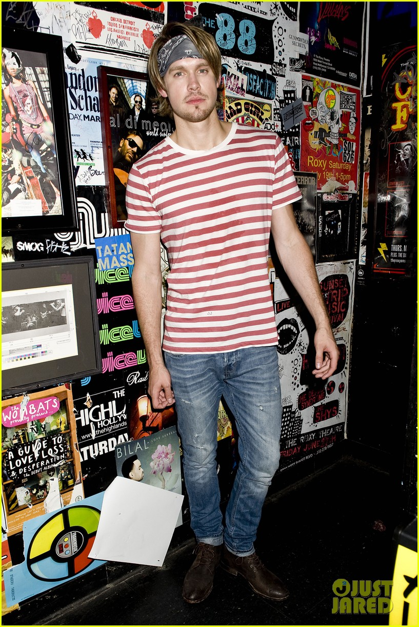 chord overstreet performs at the roxy glee cast supports 182913155