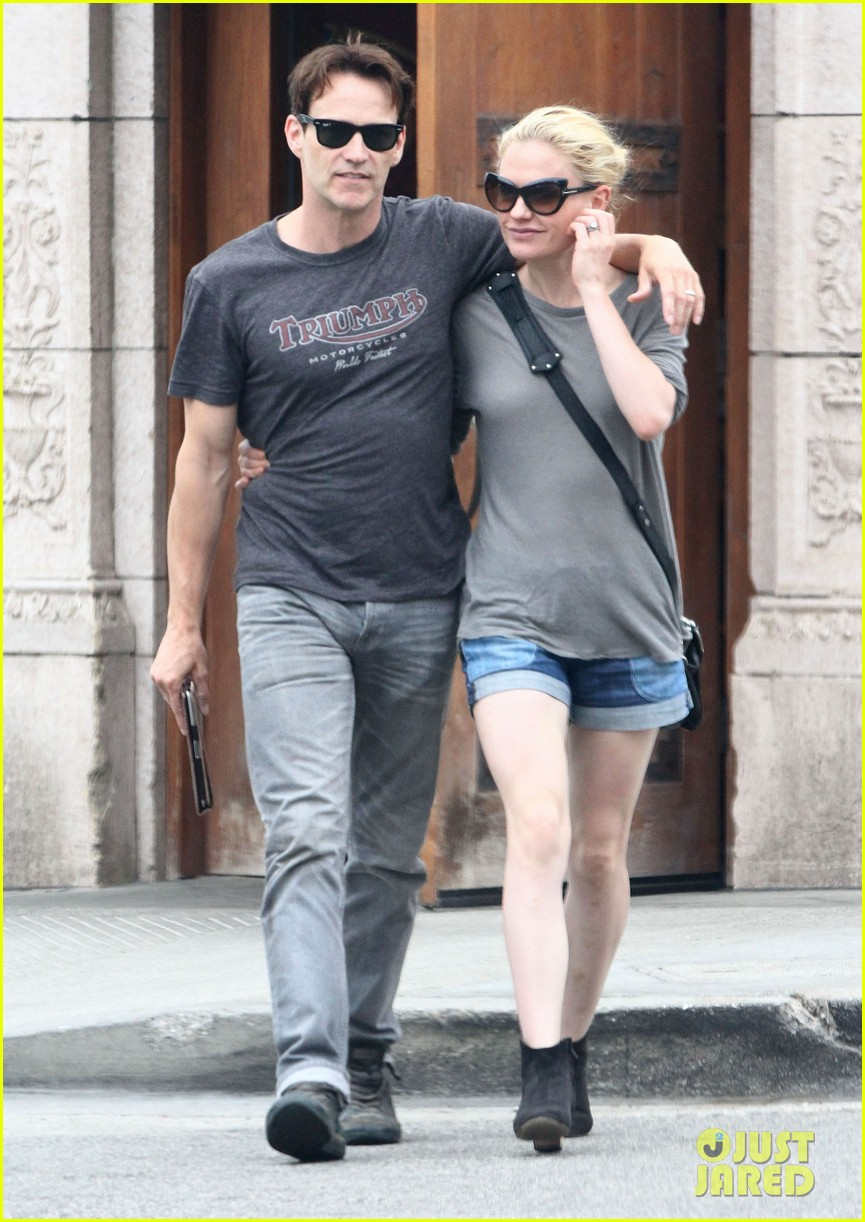 anna paquin stephen moyer cuddle close in venice beach 062919080