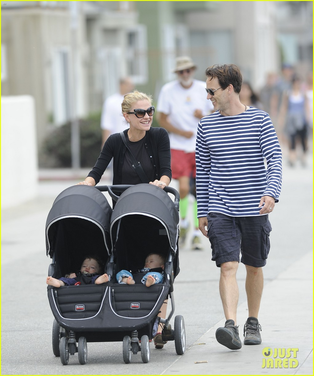 anna paquin stephen moyer sunday stroll with the twins 072914664