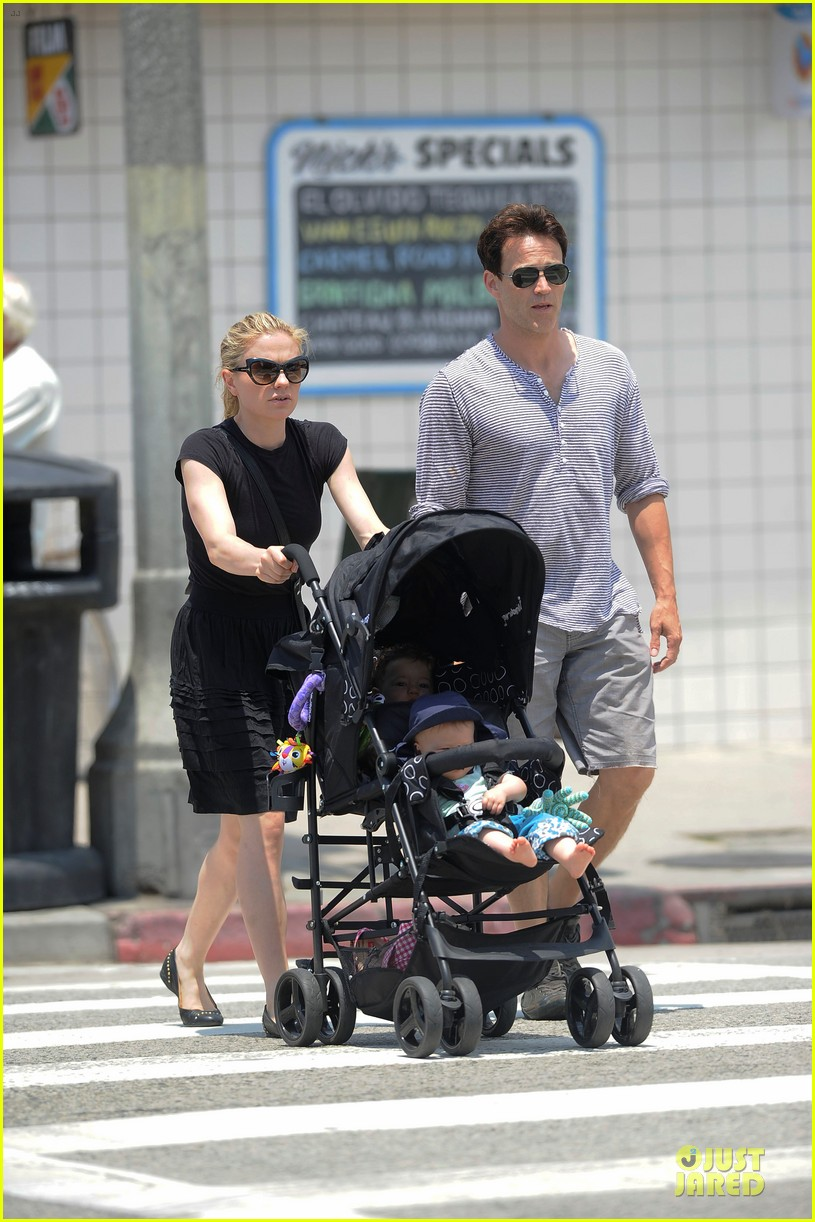 anna paquin stephen moyer venice stroll with the twins 012901580