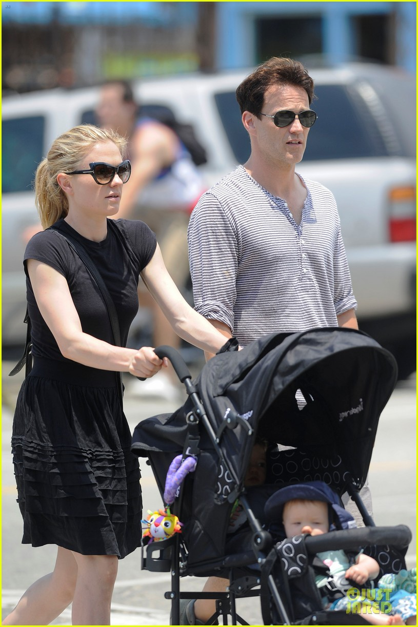 anna paquin stephen moyer venice stroll with the twins 022901581