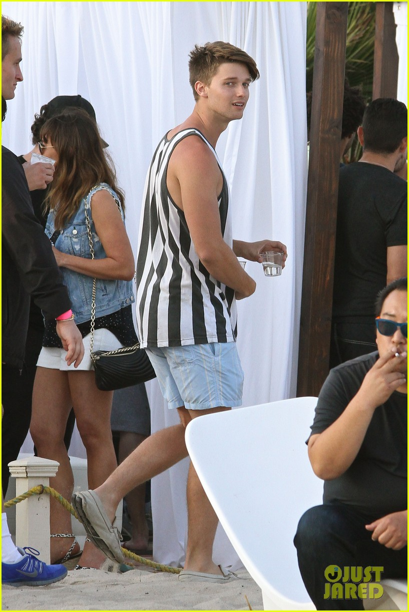 patrick schwarzenegger taylor burns paris hiltons july 4 party 182904507