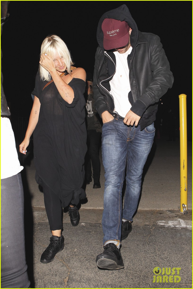 robert pattinson sia jay z and justin timberlake concert 052919268