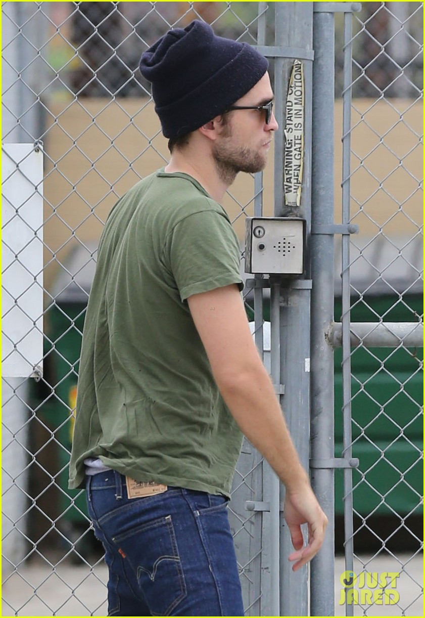 robert pattinson more time at the studio 022907877