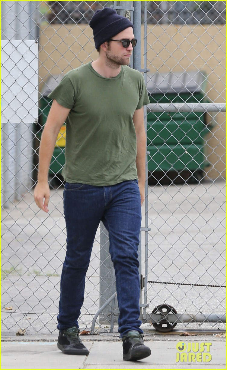 robert pattinson more time at the studio 03