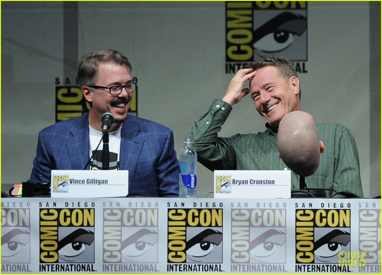 aaron paul bryan cranston breaking bad panel at comic con 242914288