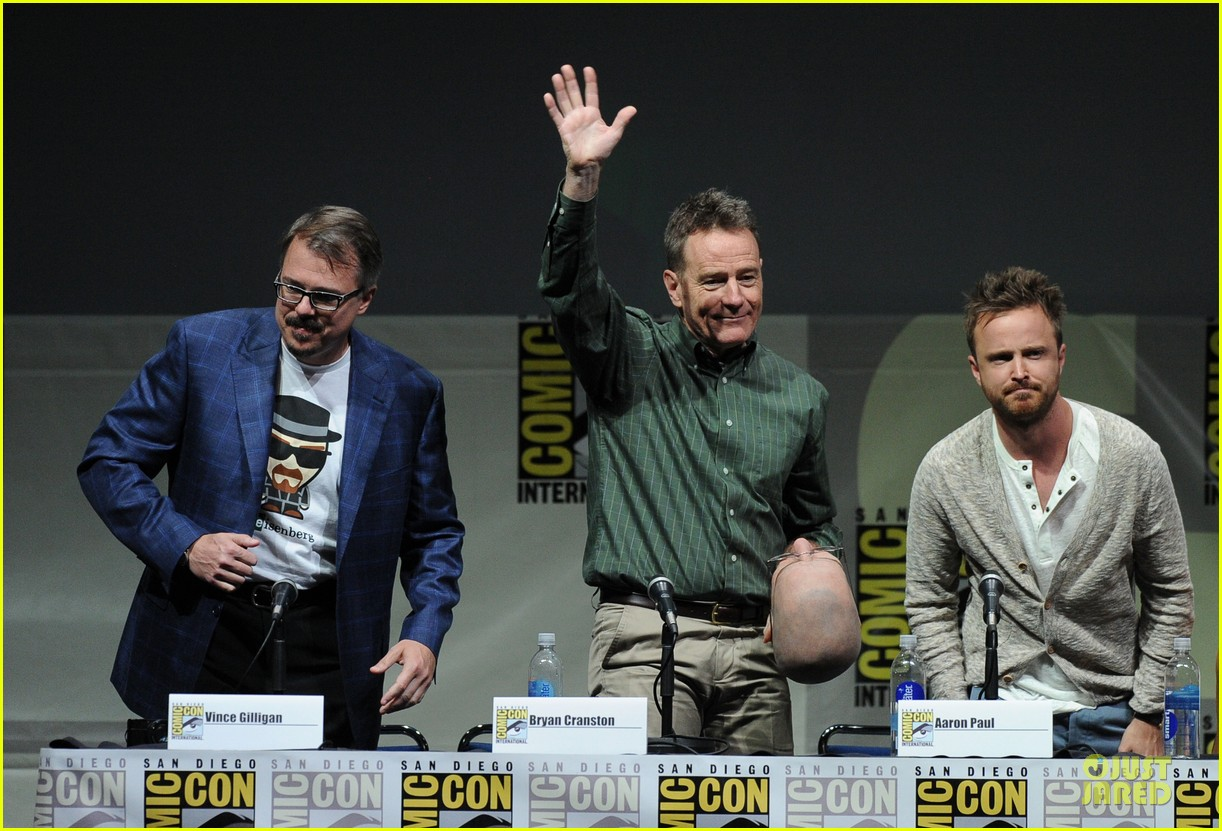 aaron paul bryan cranston breaking bad panel at comic con 282914292