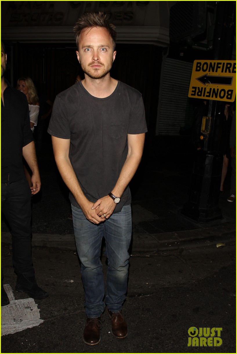 aaron paul ride to breaking bad premiere in the rv 062910862