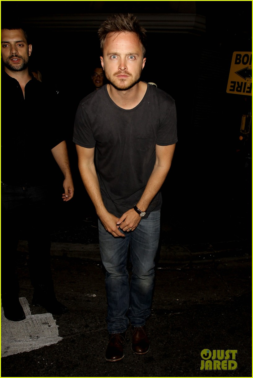 aaron paul ride to breaking bad premiere in the rv 082910864