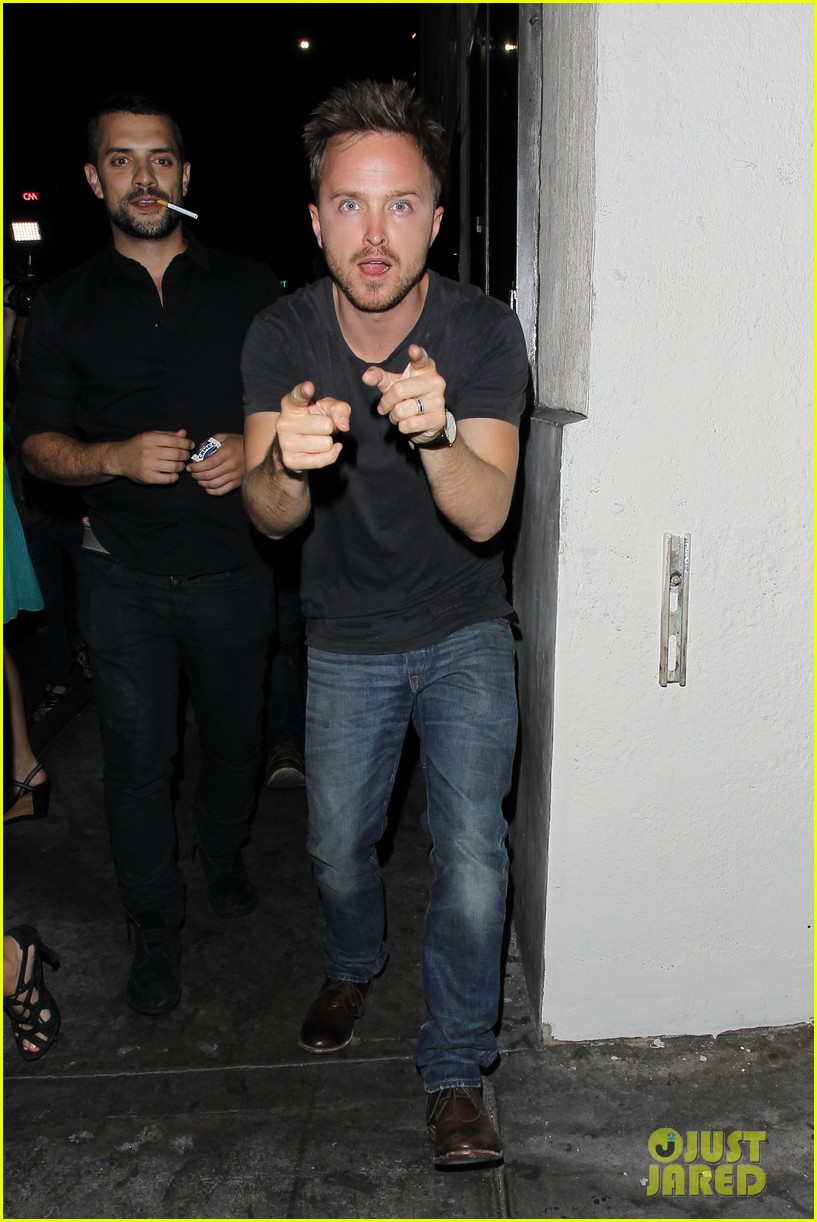 aaron paul ride to breaking bad premiere in the rv 092910865