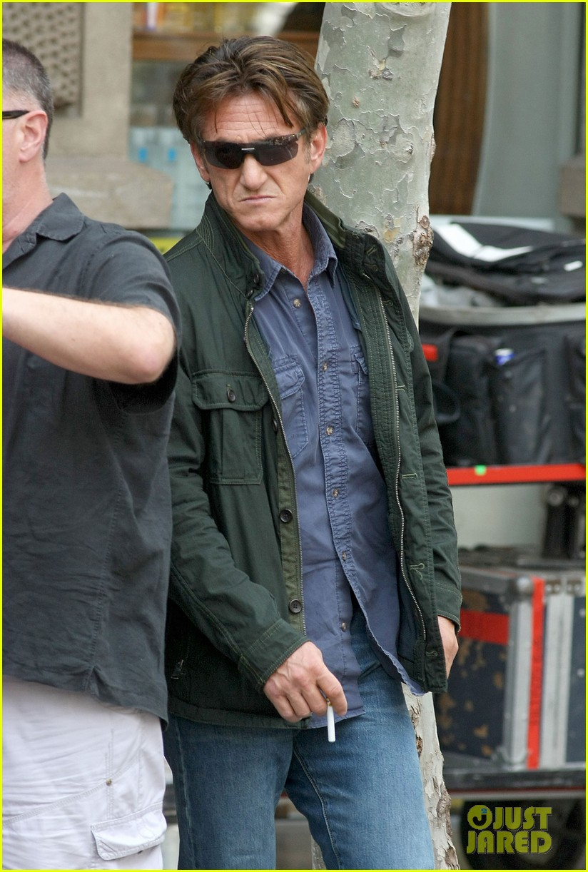 sean penn gunman gets tony winning new cast member 082904329