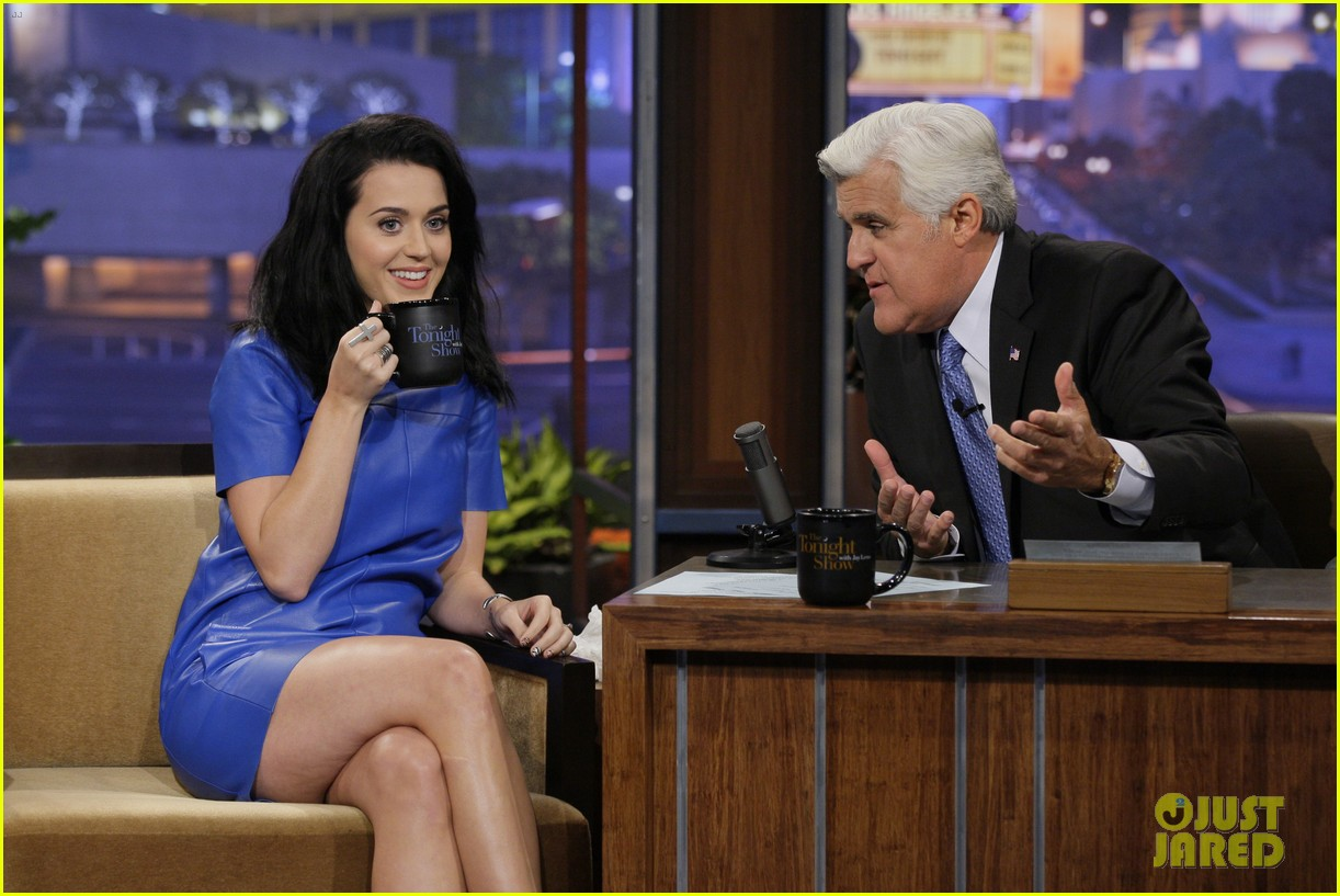 katy perry goes smurfette blue for jay leno appearance 012917663