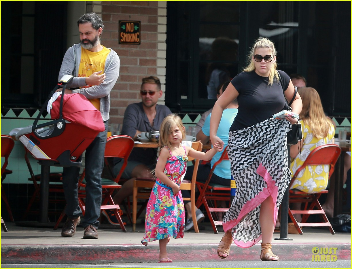 busy philipps post baby body at little doms 172914363
