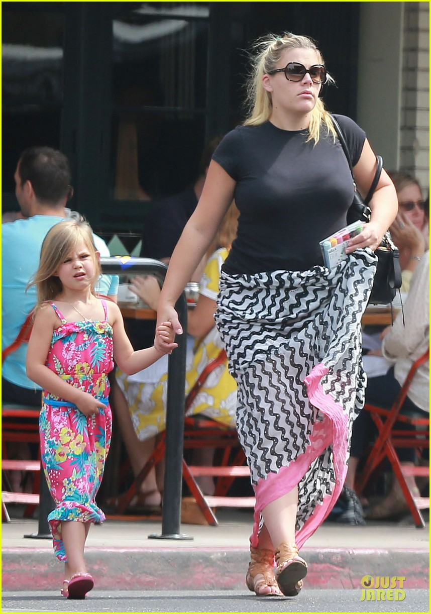 busy philipps post baby body at little doms 192914365
