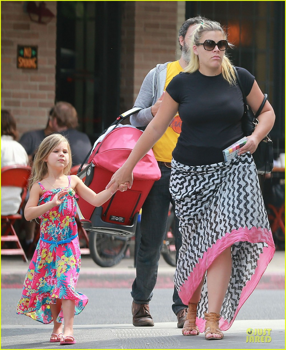 busy philipps post baby body at little doms 252914371